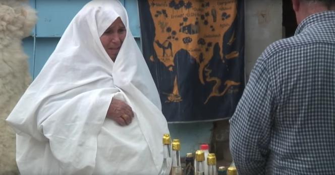 Une femme ibadite, à Djerba en Tunisie.