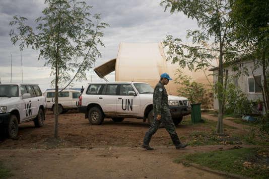 Un soldat de la Mission des Nations unies au Soudan du Sud, la Minuss,   qui compte 12000casques bleus.