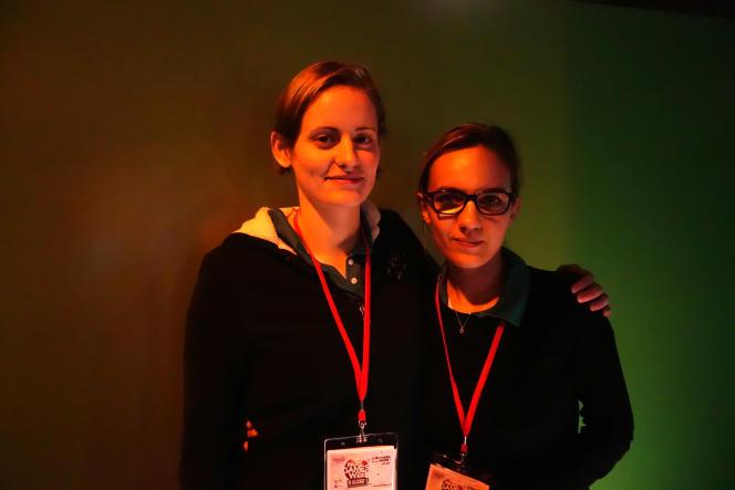 Mathilde Koenig et Déborah Teissonnière participent à des compétitions de « Counter Strike ».