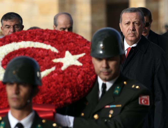 Le président Erdogan au mausolée du fondateur de la Turquie moderne, Mustafa Kemal
