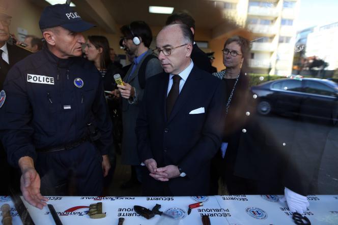 Le ministre de l'intérieur Bernard Cazeneuve à Rouen, le 30 octobre 2015.
