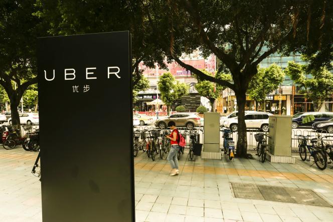 Une borne Uber, à Canton, dans la province du Guangdong, dans le sud de la Chine