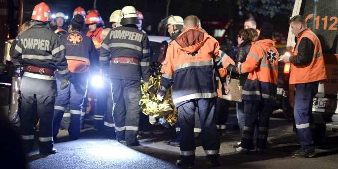 De nombreux blessés souffrent de blessures aux jambes, après avoir été piétinés dans une bousculade, et d'intoxications, selon les autorités sanitaires.