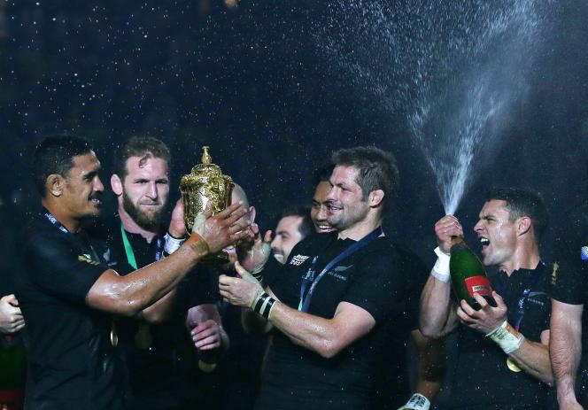 Richie McCaw et les All Blacks sont champions du monde.