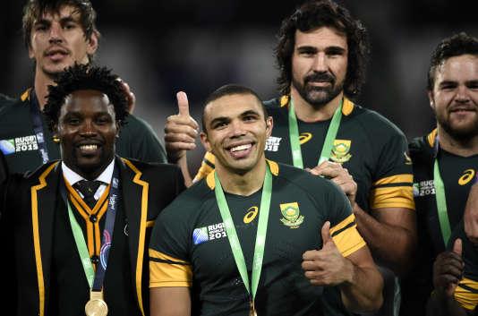 Bryan Habana (au centre) et ses camarades fêtent leur médaille de bronze.