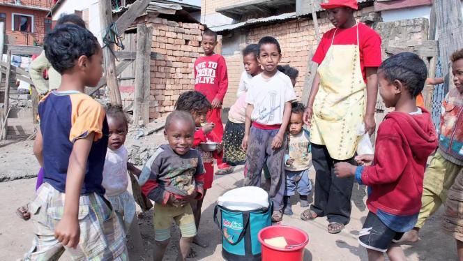 Enfants à Madagascar bénéficiant des farines deNutri'zaza