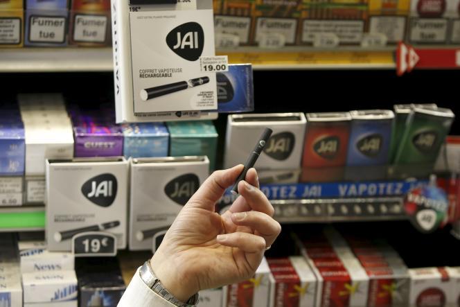 Les pouvoirs publics attribuent cette forte diminution aux différentes mesures prises pour lutter contre le tabac.