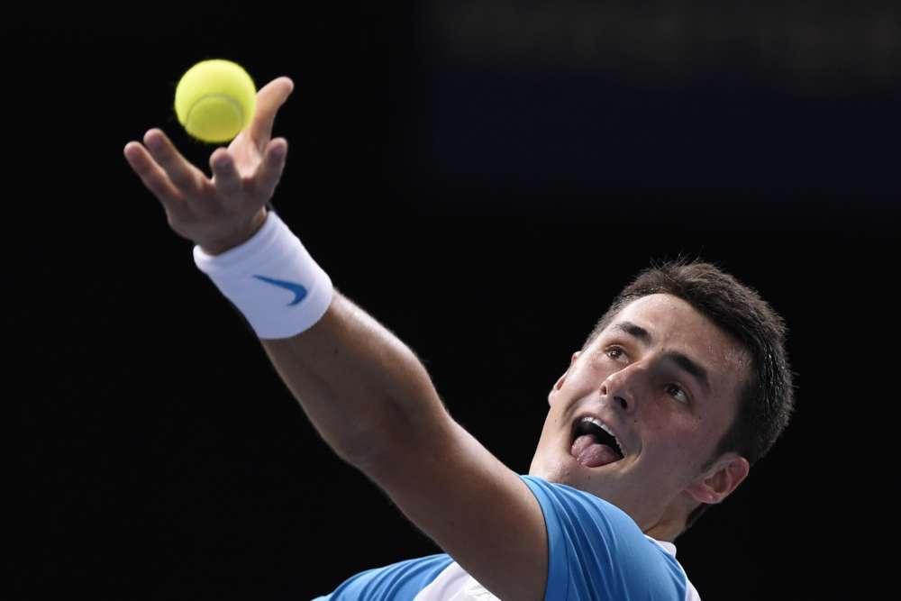 Battu en quart de finale il y a quinze jours à Shanghaï face, il est vrai face à Novak Djokovic, l'Australien Bernard Tomic arrive en pleine forme à Paris, où il n'a fait qu'une bouchée (6-3, 6-2) de l'Italien Fabio Fognini.