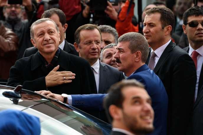 Le parti islamo-conservateur du président Erdogan, l'AKP, a retrouvé dimanche 1er novembre sa majorité absolue au Parlement, perdue en juin.