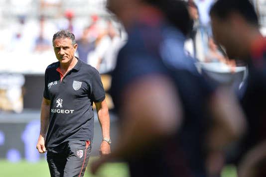 Guy Noves lors d'un entraînement de l'équipe de rugby de Toulouse avant un match à Bordeaux le 6 juin 2015.