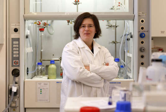 Sophie Carenco est chercheuse dans le domaine des nanomatériaux.
