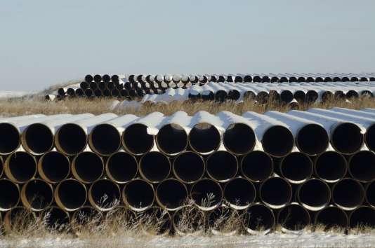 Des tuyaux qui devraient être utilisés pour la construction de l'oléoduc Keystone XL, dans le Dakota du Nord, le 4 novembre.