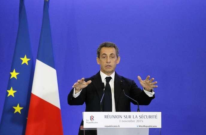 Nicolas Sarkozy, lors de la réunion sur la sécurité, mardi 3 novembre, à Paris.