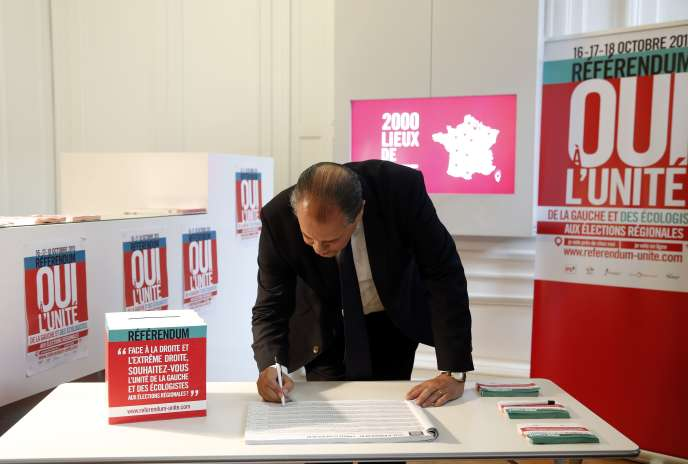 Jean-Christophe Cambadélis le 16 octobre 2015 au siège du Parti Socialiste à Paris.