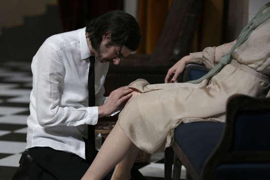 """Photo de répétition de """"Tartuffe"""" qui sera représenté à l'Odéon, avec Micha Lescot."""
