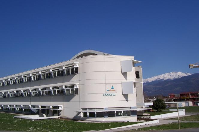 Grenoble INP dispose de 32 laboratoires de recherche et est membre fondateur de deux pôles mondiaux – sur les nanotechnologies et les technologies de l'énergie.