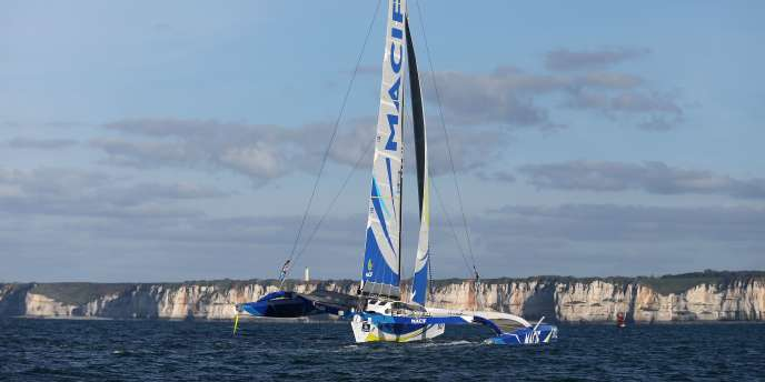 L'Ultim «Macif» de François Gabart, ici en octobre 2015 au large du Havre.