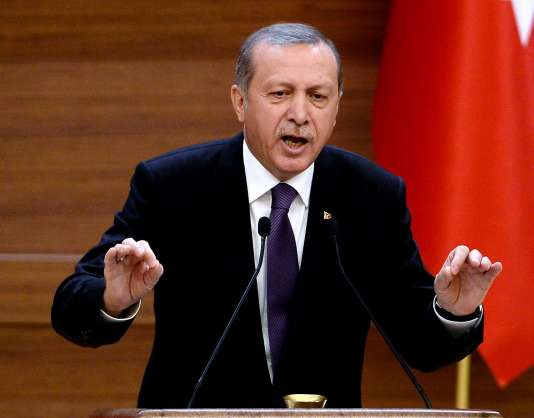 Le président turc, M. Erdogan, s'est engagé, mercredi 4 novembre, à poursuivre la luttre contre les militants kurdes jusqu'à ce qu'ils déposent les armes ou que le dernier d'entre eux soit « liquidé ».