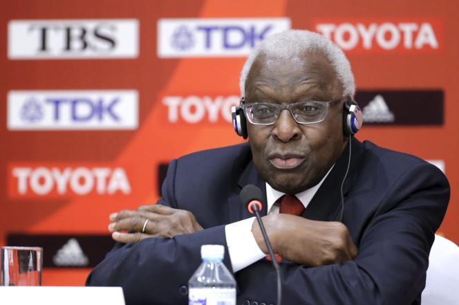 Le désormais ex-président de l'IAAF, Lamine Diack, le 20 août 2015, lors des Mondiaux d'athlétisme de Pékin.