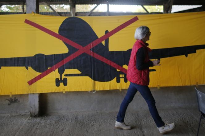 A la « Vache Rit », quartier général des opposants à l'aéroport de Notre-Dame-des-Landes, près de Nantes, le 4 novembre 2015.