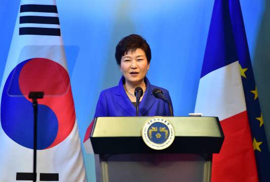 Park Geun-hye est visée par des accusations de violations de la Constitution et de délits pénaux – ici, en novembre 2015 à Séoul.