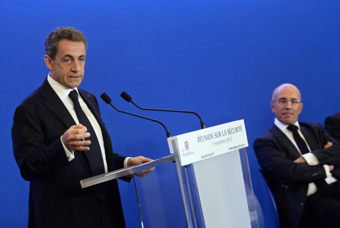 Nicolas Sarkozy et Eric Ciotti, lors de la convention des Républicains sur la sécurité, le 3 novembre.