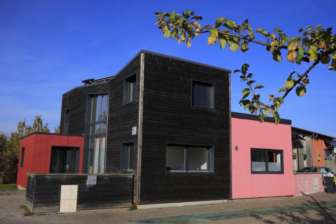 Un exemple de maison à forte performance énergétique au sein du projet expérimental Villavenir, à Loos-en-Gohelle, dans le Pas-de-Calais.