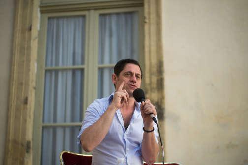 Olivier Py entame sa deuxième année à la tête du Festival d'Avignon. AFP PHOTO / BERTRAND LANGLOIS