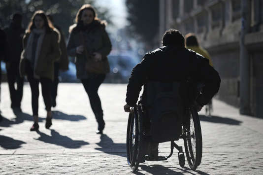 Le projet de budget 2016 prévoit la prise en compte des intérêts des comptes d'épargne dans le calcul de l'allocation adulte handicapé.