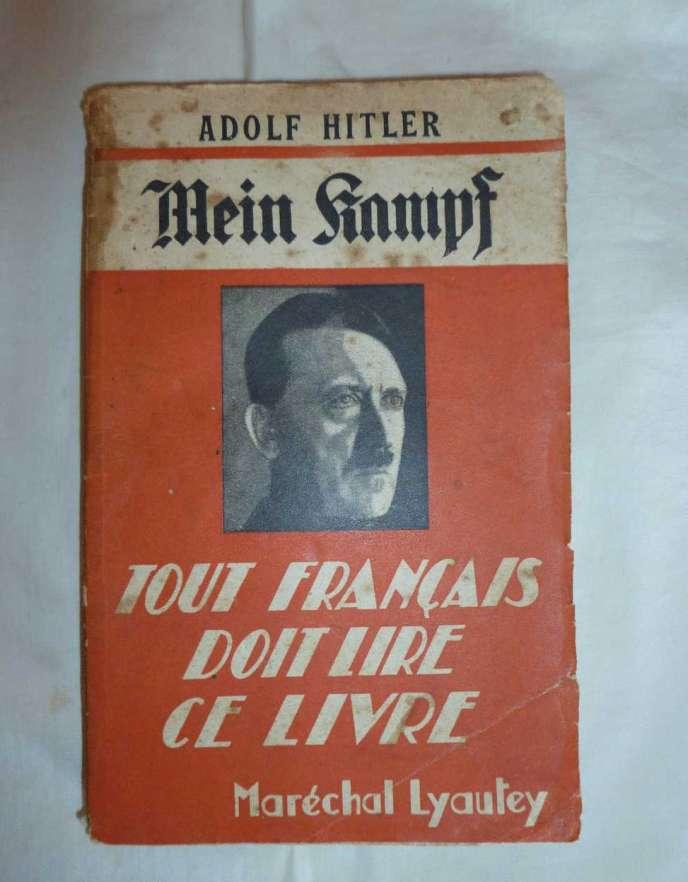 La version française du livre, parue en 1934 aux Nouvelles éditions latines, dirigées par Fernand Sorlot.