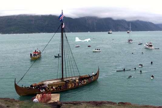 Reconstitution d'un navire viking du Moyen-Age, au Groenland.