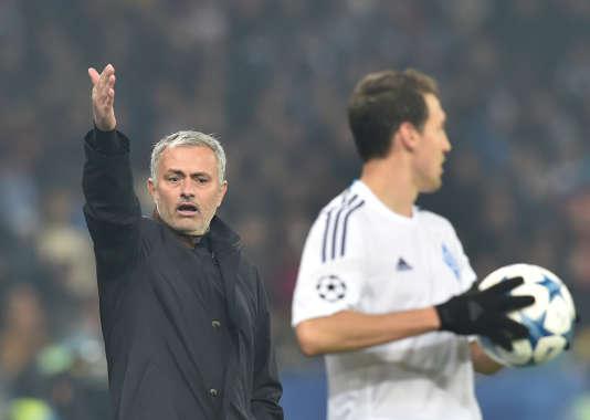 Mourinho lors du match Chelsea/Dynamo Kiev vs Chelsea, le 20 octobre, à Kiev.