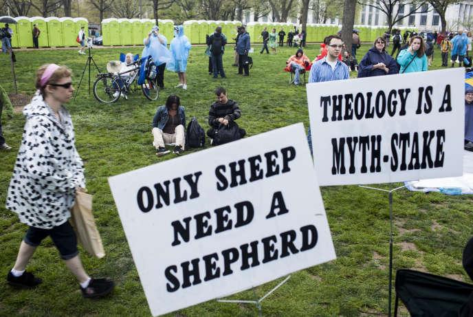 Pancartes lors d'un rassemblement athéiste à Washington en 2012.