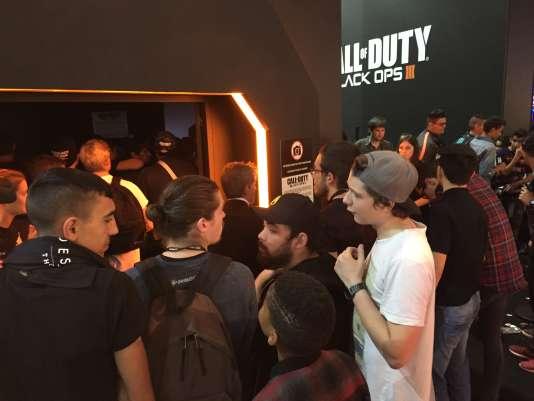 Quoique plus discret que les dernières années, le stand Call of Duty était toujours l'un des plus courus à la Paris Games Week 2015.