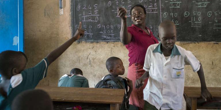 Dans une classe de l'école catholique primaire Saint-Joseph, à Juba.