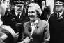 Margaret Thatcher devant le 10 Downing Street à Londres le 4 mai 1979, peu après son élection au poste de premier ministre.