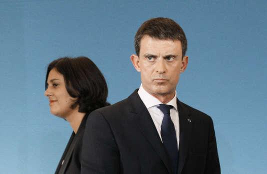Manuel Valls et Myriam El Khomri lors de la présentation des orientations sur la réforme du code du travail, à Paris le 4 novembre 2015.