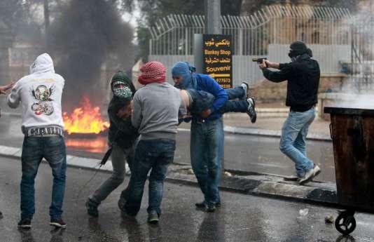 Des heurts se déroulent entre Israéliens et Palestiniens, vendredi 6 novembre, en Cisjordanie.