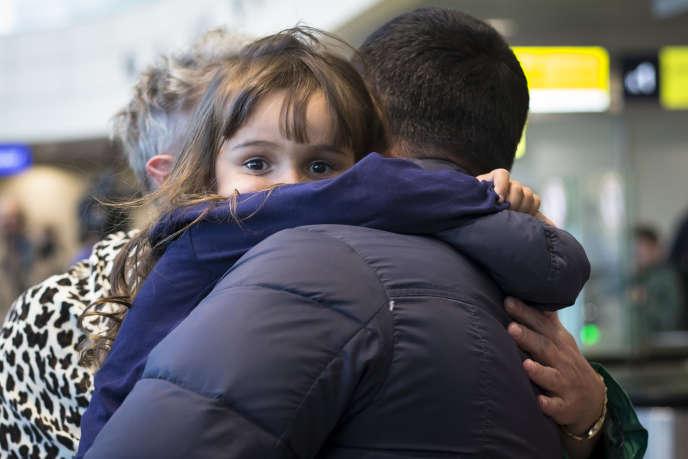 Les touristes russes en Egypte ont commencé à revenir, une semaine après le crash qui a coûté la vie à 224 personnes.