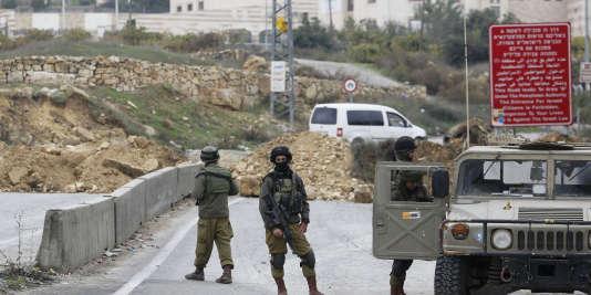 Des soldats israéliens à Hébron, le 7 novembre.