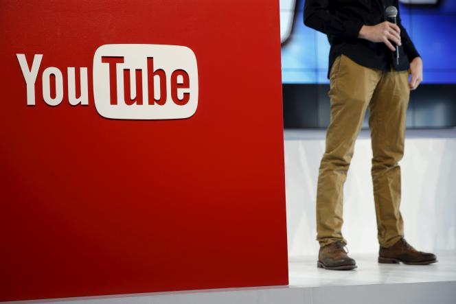 L'explosion de YouTube a fait éclore de nouvelles stars, mais aussi tout un écosystème basé sur des opérations de communication non assumées pour le compte d'annonceurs.