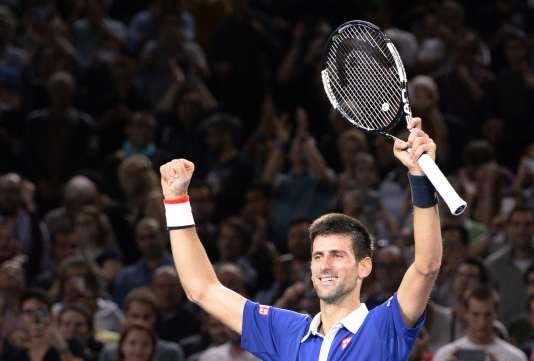 Le Serbe, numéro 1 mondial, détient désormais le record de victoires du tournoi parisien.