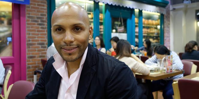 A 42 ans, JX Paulin, franco-togolais, est aujourd'hui à la tête de deux entreprises africaines qu'il gère depuis ses bureaux de Shanghai.