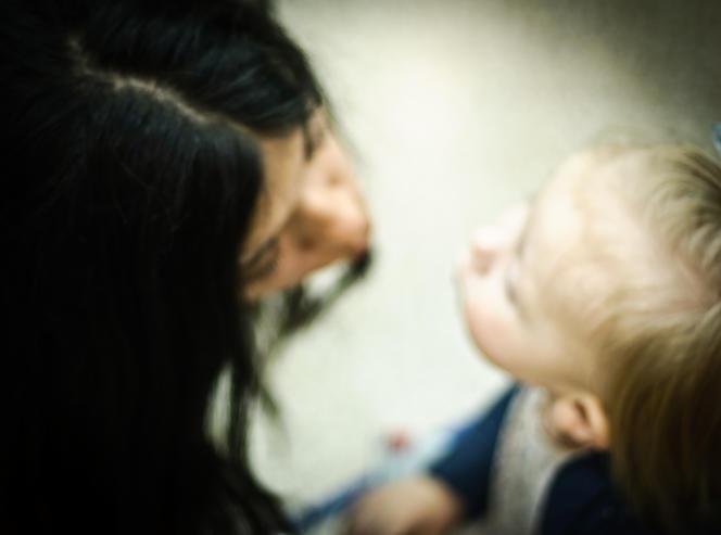 Pour Edwige Antier, le bisou sur la bouche a, pour l'enfant, une forte connotation sexuelle.
