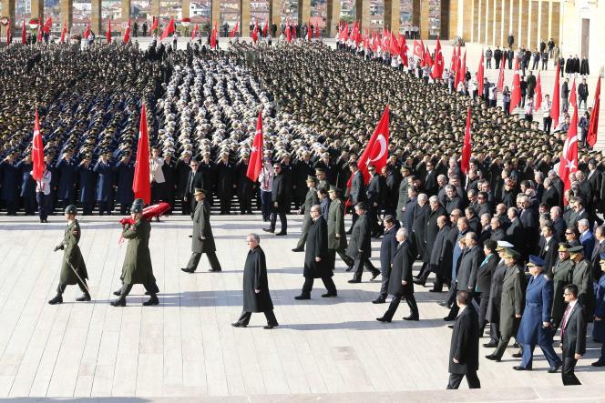 Commémoration en l'honneur du fondateur de la République turque, Mustafa Kemal, dit «Atatürk», le 10 novembre 2015 à Ankara.