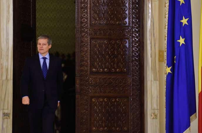 Dacian Ciolos, à Bucarest (Roumanie), le 10 novembre 2015.