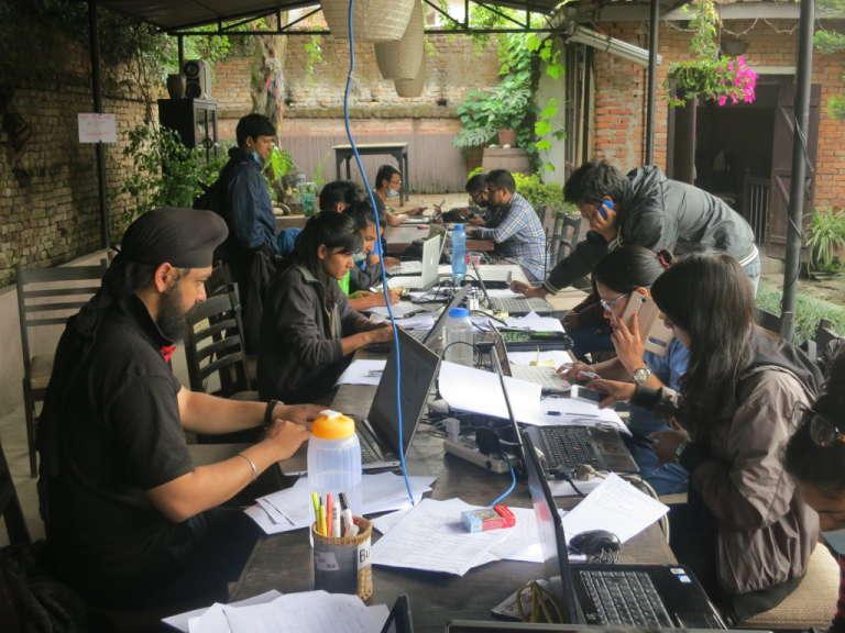 L'équipe de bénévoles de Quakemap à Katmandou.