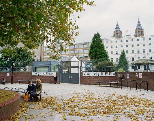 """Centre névralgique de la «Frog Valley»"""", le lycée français Charles-de-Gaulle accueille près de 4 000 jeunes dans le quartier chic de South Kensington, à Londres."""