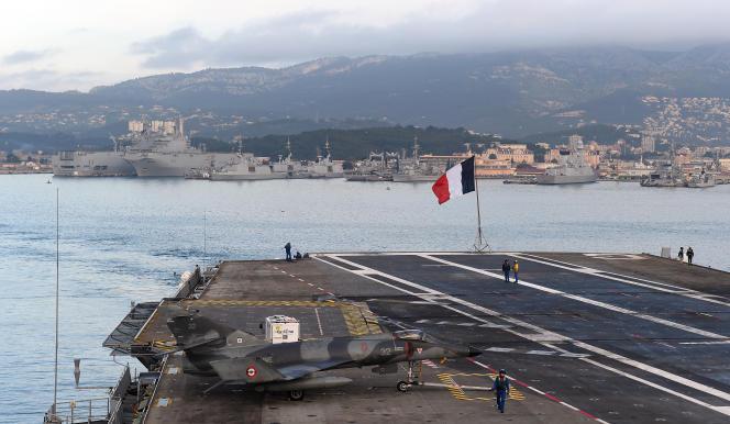 Le porte-avions « Charles-de-Gaulle », basé à Toulon, participera prochainement aux raids contre le groupe Etat islamique (EI).