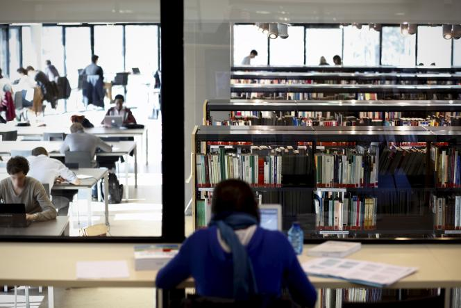 Bibliothèque de l'Essec, à Cergy-Pontoise (Val d'Oise).